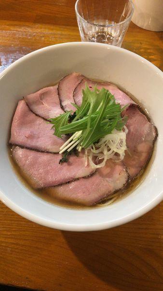 「味玉チャーシューあごだし醤油らぁ麺」@らぁ麺 こむぎの写真