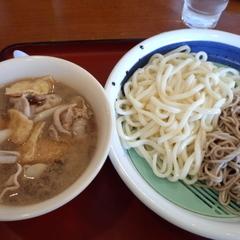 山田うどん 木曽根店の写真