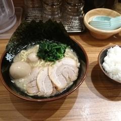 横浜家系ラーメン 横浜道 池袋東口店の写真