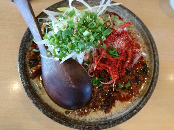 「辛口・黒胡麻坦々麺+中盛り」@麺や 和の写真