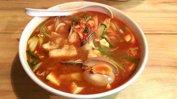 「海鮮チゲラーメン」@麺飯厨房 青葉台の写真