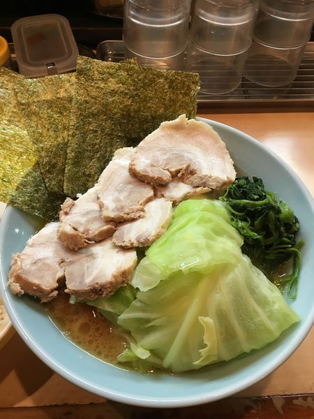 「チャーシュー麺 tpキャベツ」@山藤家の写真
