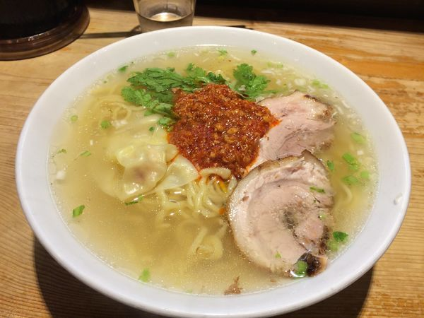 「赤まる塩らー麺(大盛り)」@横濱元町 本丸亭 横浜店の写真