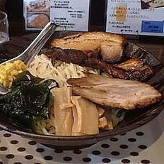 「悠河スペシャルつけ麺900円(2辛)+炙り極厚バラチャーシュ」@悠河らーめん 町田中町店の写真