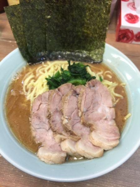 「チャーシュー麺中盛980円、硬め濃いめ」@横浜家系らーめん 渡来武の写真