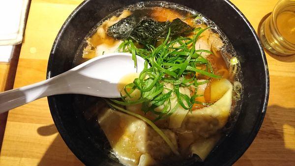 「肉醤油ワンタン」@姫路麺哲の写真