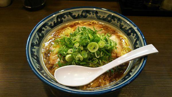 「らぁめん(黒)」@麺や京水の写真