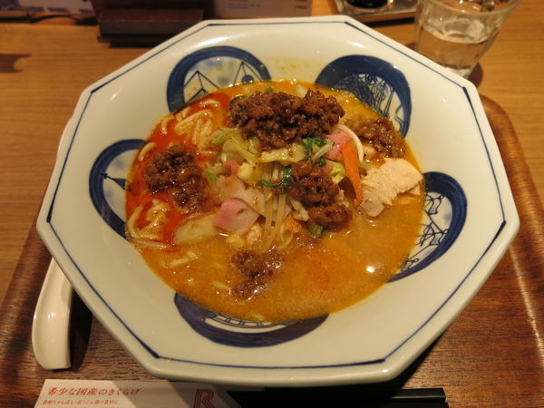 「龍が如く辛ちゃんぽん:853円」@リンガーハット TOKYO PREMIUM 新橋店の写真