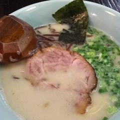 長浜屋台ラーメン 博多っ子 関内店の写真