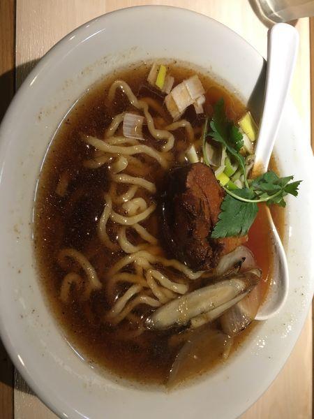 「生醤油ラーメン」@八王子 麺屋土竜の写真