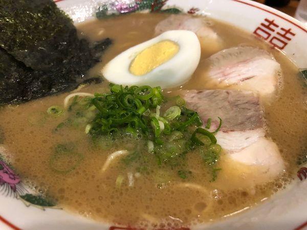 「ラーメン+替え玉(無料)」@豚骨発祥 久留米ラーメン くるめやの写真