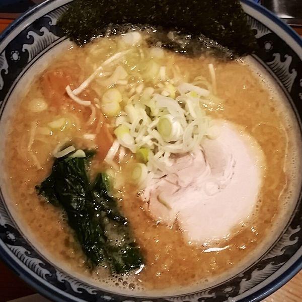 「熟成豚骨醤油らーめん 690円」@龍神麺の写真
