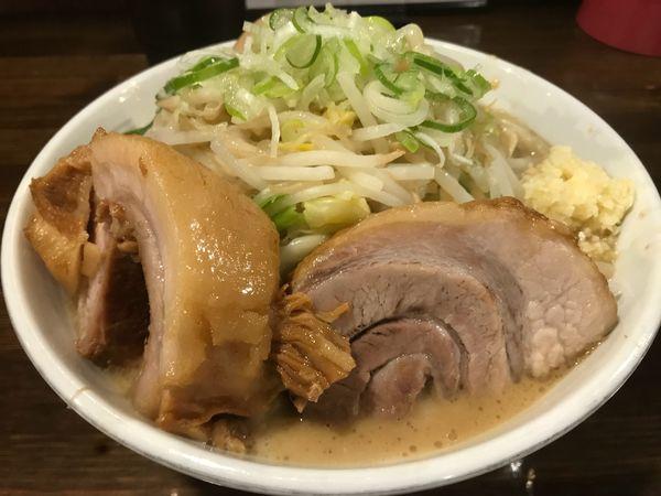 「味玉らーめん 豚一切れ 豚券」@ちばから 渋谷道玄坂店の写真