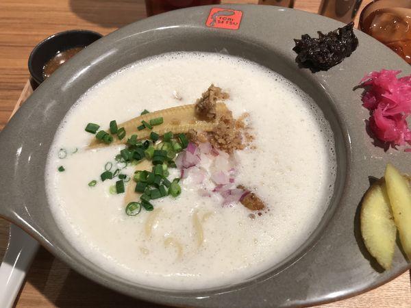 「濃厚鶏白湯らーめん 880円」@RAMEN FACTORY TORISETSUの写真