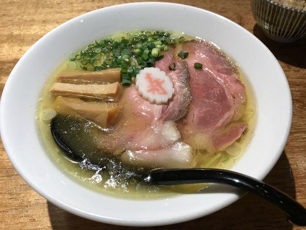 「マンガリッツァ豚と東北地鶏オールスター塩そば 1,000円」@麺ハウス こもれ美の写真