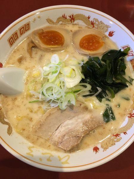「函館塩らーめん+味玉」@北海道らーめん ひむろ 亀戸店の写真