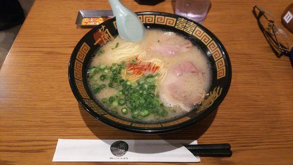 「豚骨醤油ラーメン」@一蘭 浅草店の写真