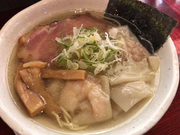 「塩わんたん麺880円」@翔鶴 高崎店の写真