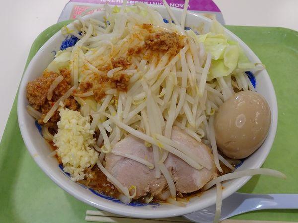 「担々麺:大盛り(900円)+豚玉セット(200円)」@ジャンクガレッジ 越谷レイクタウン店の写真