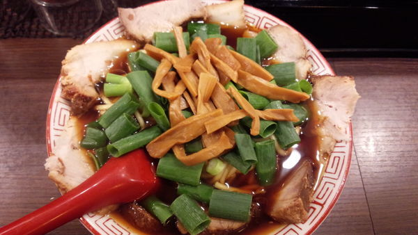 「チャーシュー麺中盛り」@麺屋7.5Hz 新橋店の写真