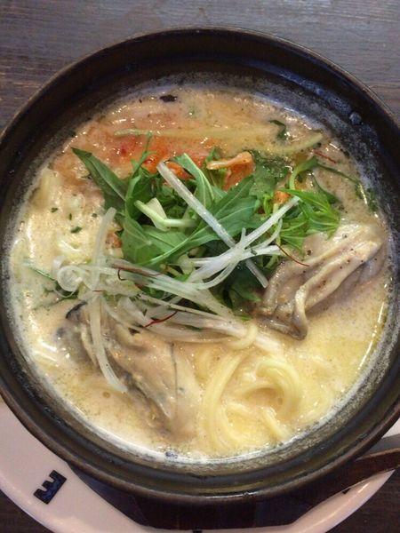 「広島産牡蠣とキムチの豆乳鍋焼きヌードル」@G.Labo Noodleの写真