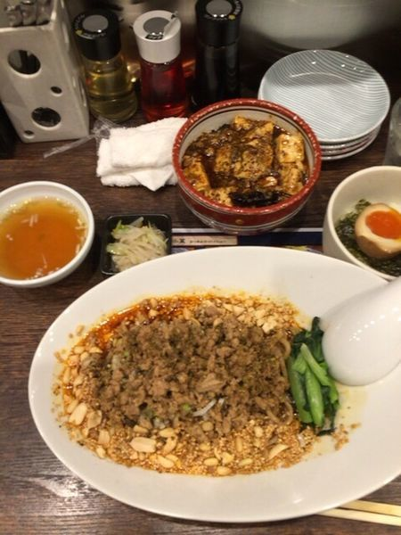 「汁なし担々麺と麻婆丼のセット」@雲林坊 川口店の写真