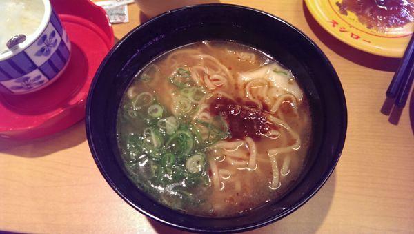 「濃厚エビ味噌ワンタンメン」@スシロー 町田北口支店の写真