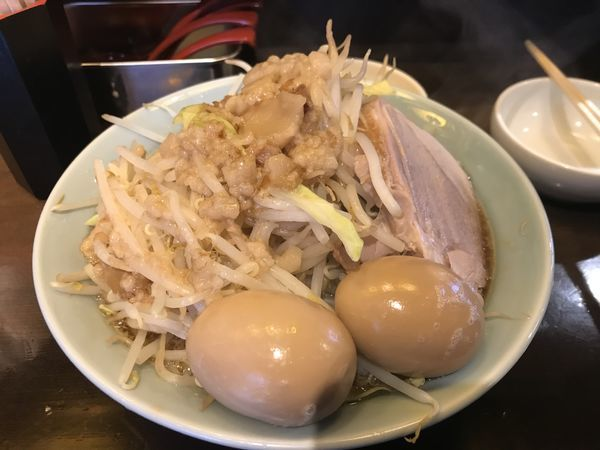 「小ラーメン、味玉×2」@立川マシマシ 9号店の写真