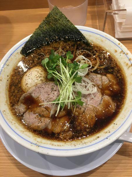 「醤油中華そば+味玉:800円」@麺や マルショウ 新なにわ大食堂店の写真