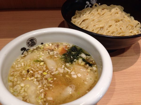 「ワンタン塩つけ麺」@ひるがおの写真