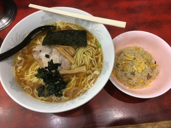 「ラーメン半チャーハン/¥550」@ラーメンほん田の写真