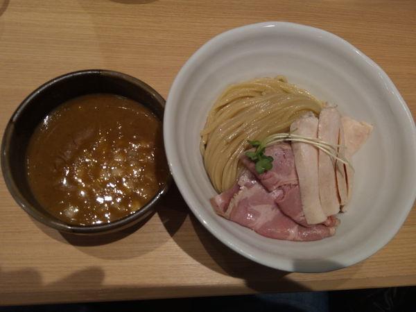 「濃厚豚骨魚介チャーシューつけ麺」@麺処 景虎 新越谷ヴァリエ店の写真