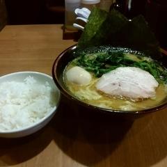 横浜家系 ラーメン銀家の写真