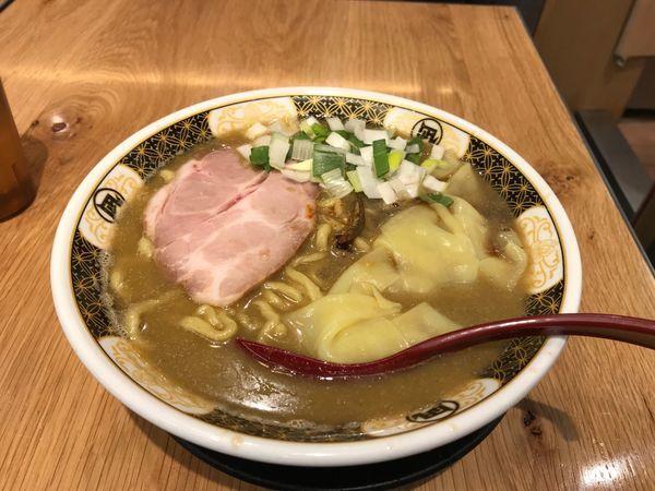 「すごい煮干ラーメン」@すごい煮干ラーメン凪 五反田西口店の写真