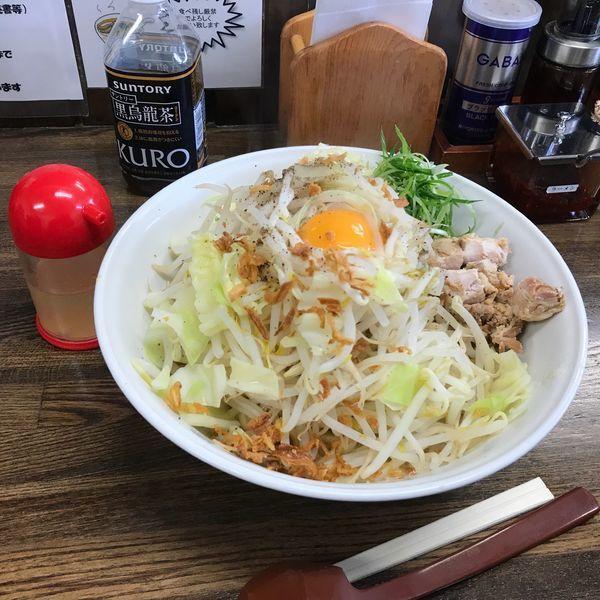 「塩油そば大盛 840円 +野菜・ニンニク・油多め」@ラーメン大大の写真
