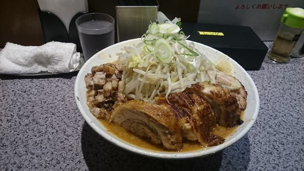 「宮郎式味噌・豚ダブル(ヤサイマシアブラマシ)¥1280」@ラーメン宮郎の写真