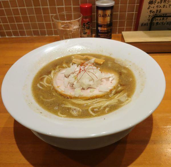 「濃厚煮干ソバ」@らーめんキッチン いいづかの写真