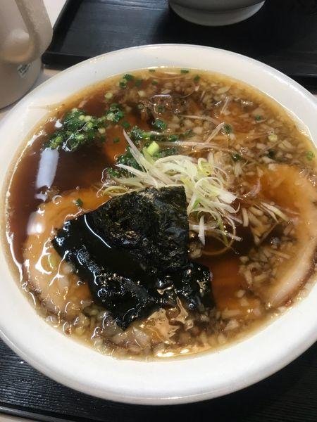 「醤油ちゃーしゅー麺➕大盛➕麺固め」@こだわりのらーめん めん楽亭の写真