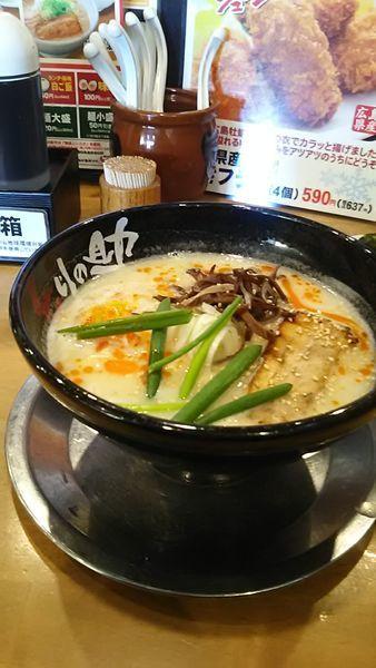「鶏塩とんこつ」@とりの助 坂戸にっさい店の写真