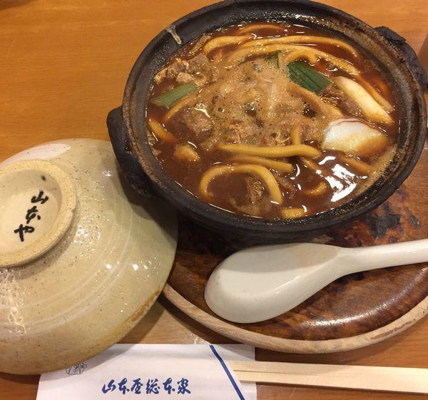 「親子味噌煮込みうどん」@山本屋本店 名古屋駅前店の写真