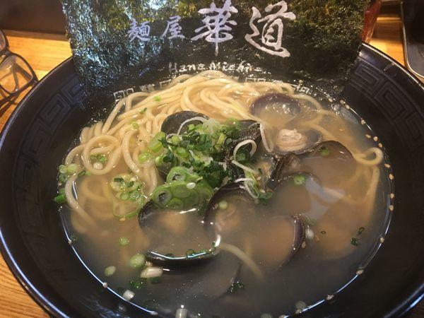 「大粒しじみラーメン890円」@麺屋 華道の写真