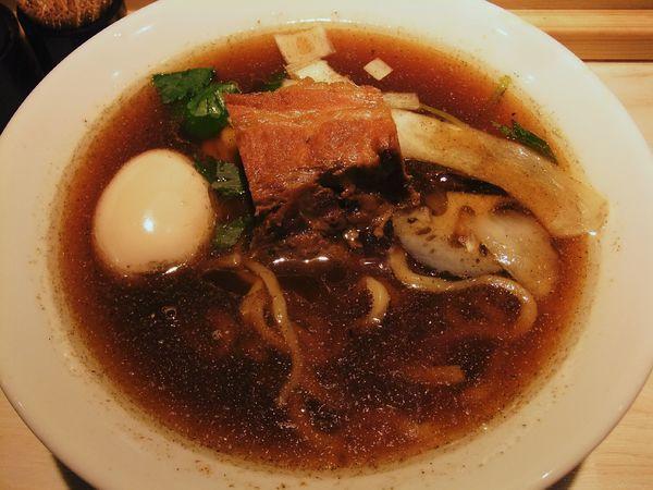 「生醤油らーめん(840円)」@八王子 麺屋土竜の写真