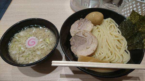 「背油醤油つけ麺」@頑者製麺所 エキア成増店の写真