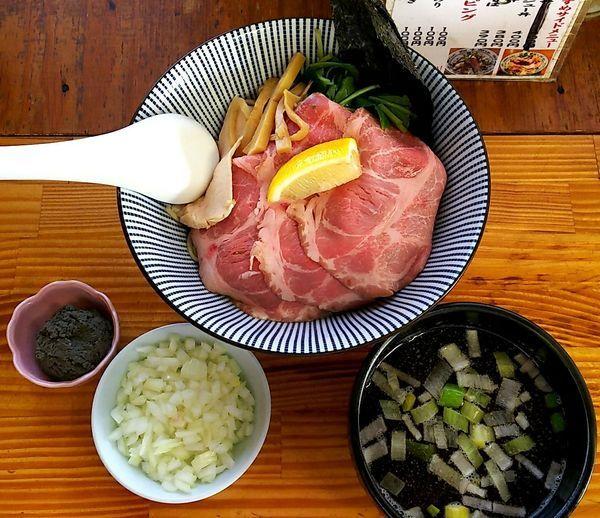 「煮干しつけ麺(大盛) 玉ねぎ」@中華そば よしかわの写真