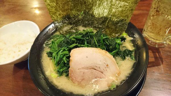 「豚骨塩 ほうれん草ラーメン」@麺家 徳 アトレ川崎店の写真
