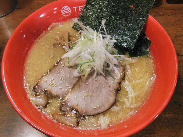 「味噌らーめん(800円)」@らーめん てつや 東京高円寺店の写真