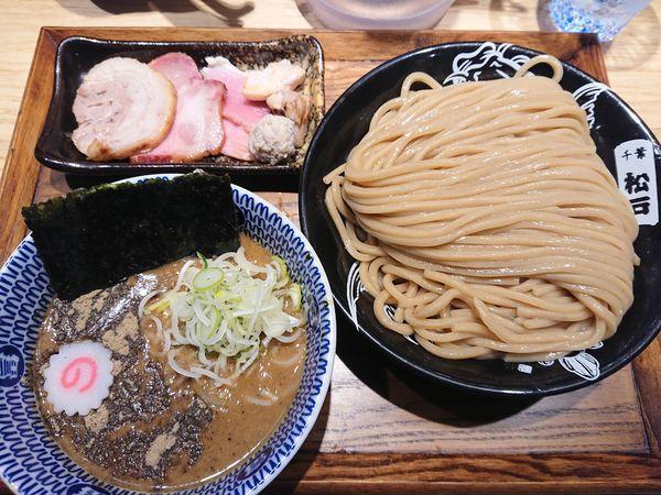 「つけめん(並)+厳選焼豚トッピング」@中華蕎麦 とみ田の写真