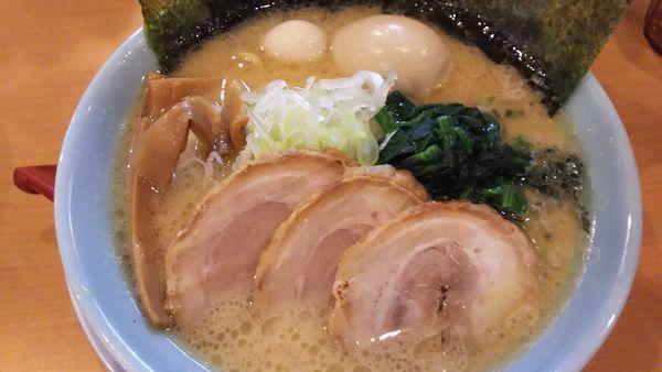 「特製 豚骨醤油」@横浜家系ラーメン 清六家 総本山の写真