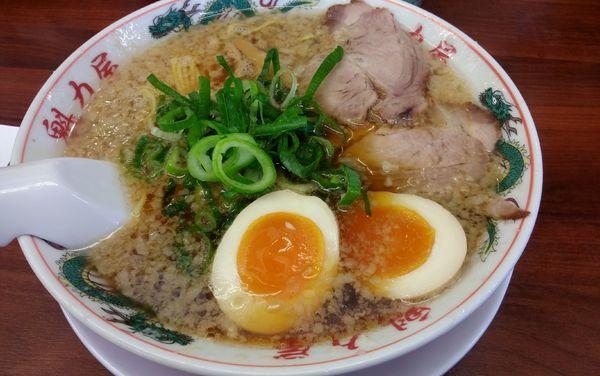 「特製醤油 味玉ラーメン」@ラーメン魁力屋 弘明寺店の写真