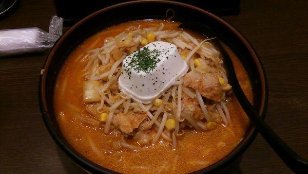 「レアチーズキムチ納豆ラーメン」@柳家 フェザン2号店の写真